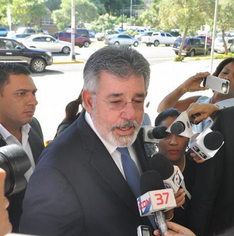 Díaz Rúa acude a Procuraduría y dice estar abierto a cualquier cuestionamiento