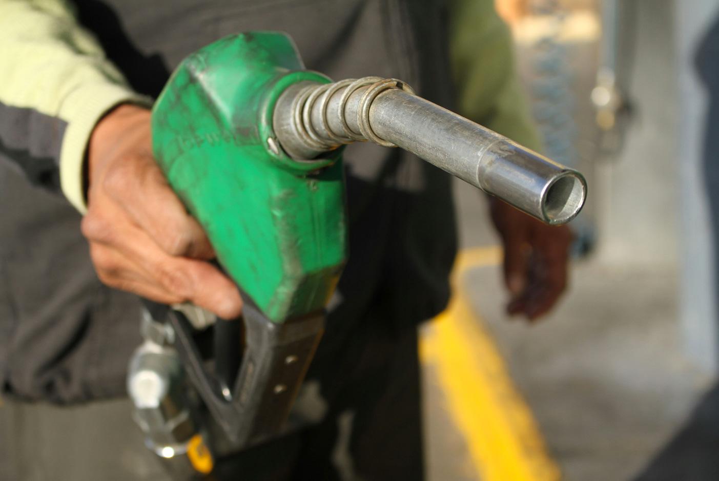 Gobierno aumenta RD$7.00 a las gasolinas