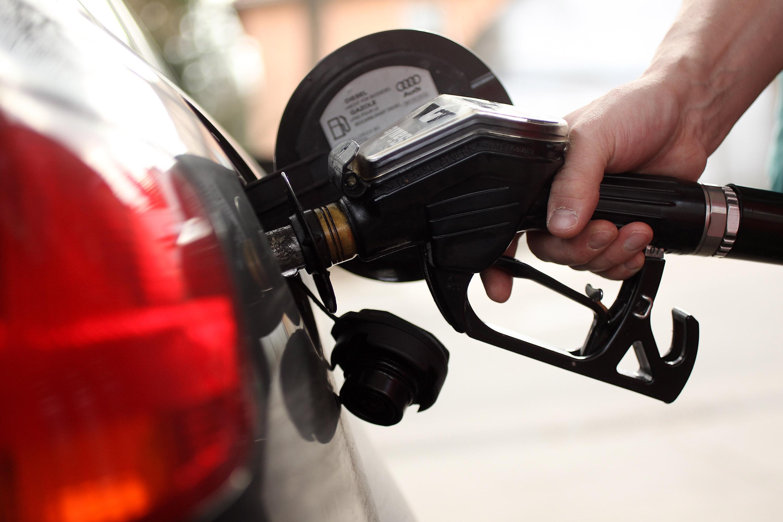 Industria y Comercio sube precios de todos los combustibles